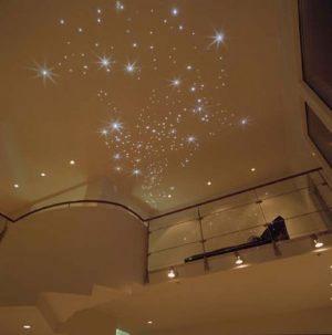 Natyazhnye-potolki-zvezdnoe-nebo1